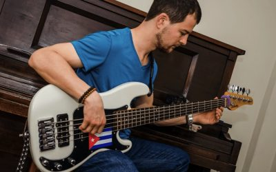 Bass courses in Havana – Enjoy and learn!